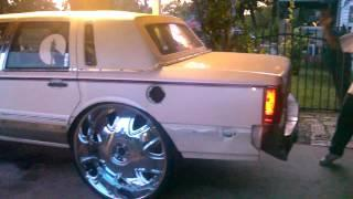 The First Lincoln Town Car On 32s